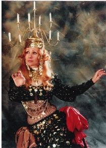 Jacqueline Chapman belly dance perfomances